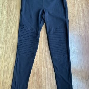 Zenana Black Motto Leggings