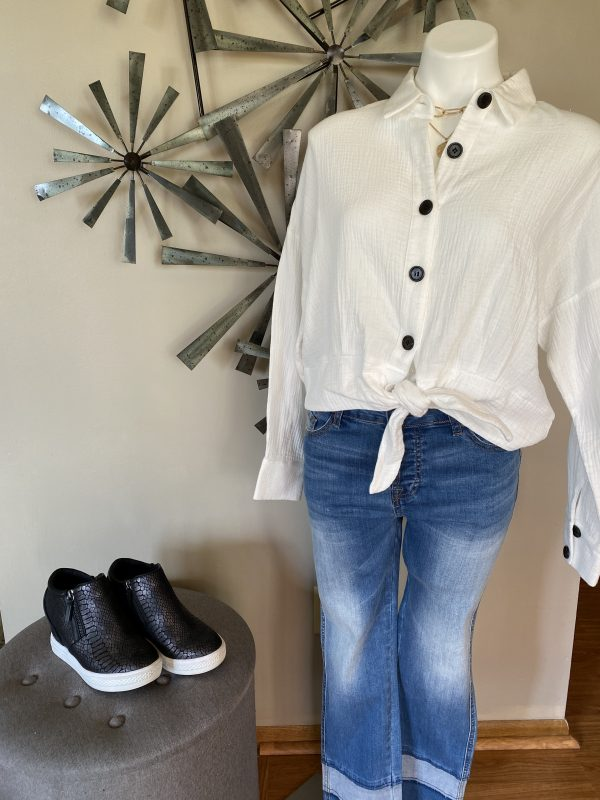 THMLWhite w/ Black Buttons Tie Front Top